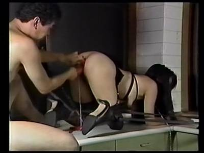 Asimuschi wird von Ihrem Herren BDSM Meister heftig gebraucht und in alle Löcher gebumst