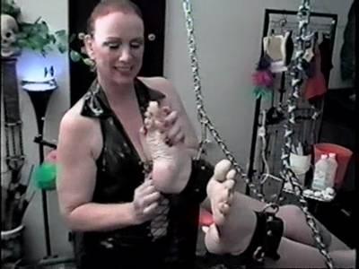 salma de nora bei geilen fetisch spielen