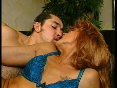 Großmutter liebt hardcore Sex - Wilder Sex mit geile Oma