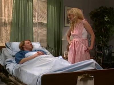 Sexy blonde Lady macht im Vintage Porno einen intensiven Rachenfick
