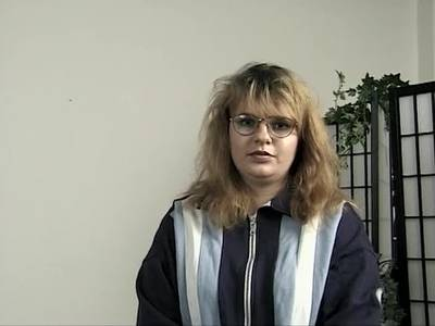 Deutsche mollige Hausfrau mit behaarte Fotzefickt sich mit Dildo